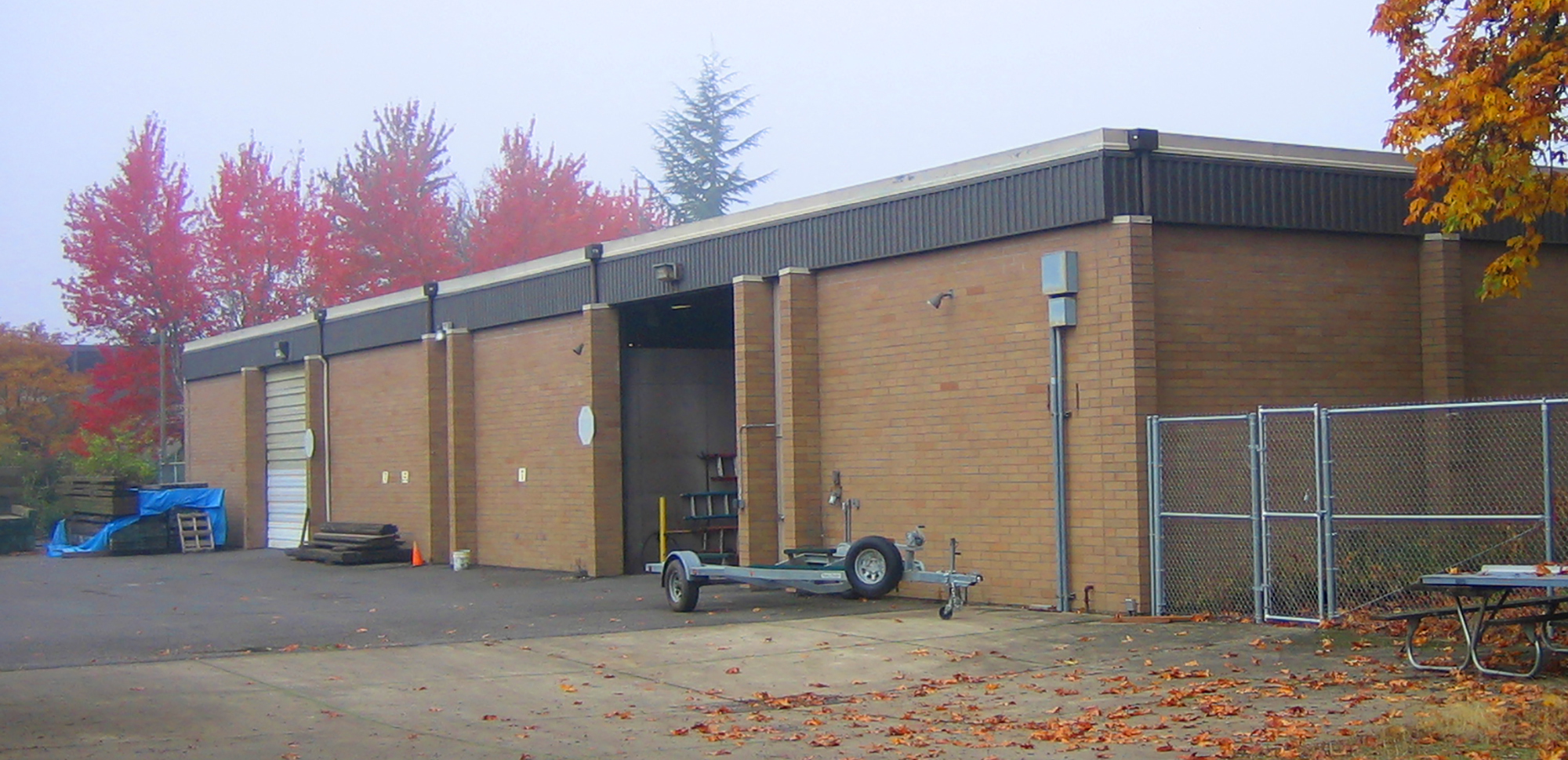 Before the renovation, the structure was a vehicle warehouse.